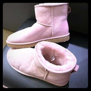 Brande New UGG Classic Mini Boots size 11